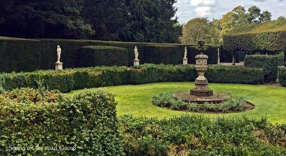 fontana e giardino