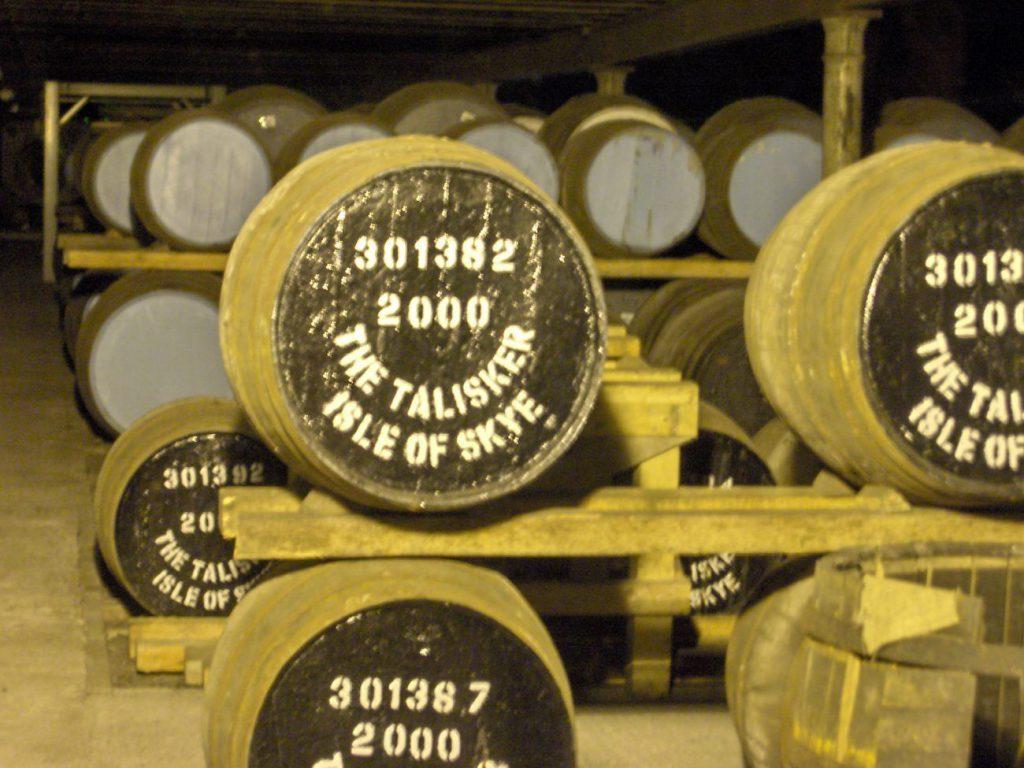 Un tour tra le distillerie Scozzesi - talisker distillery scozia