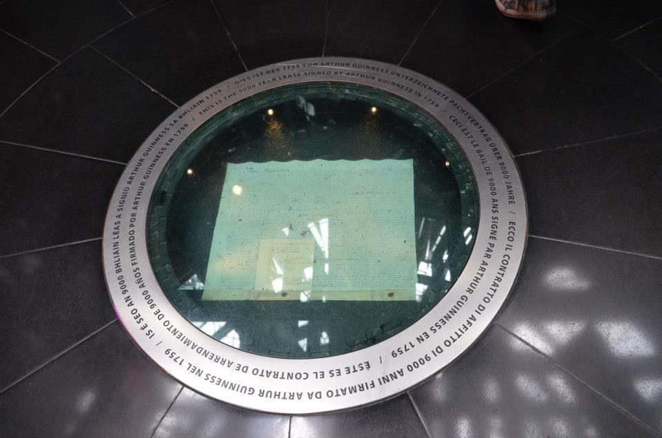 documento sotto teca di vetro, guinness storehouse