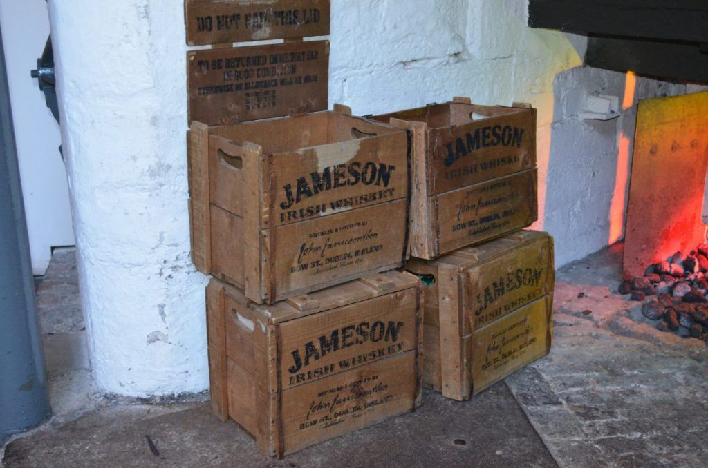 casse di whisky, jameson distillery