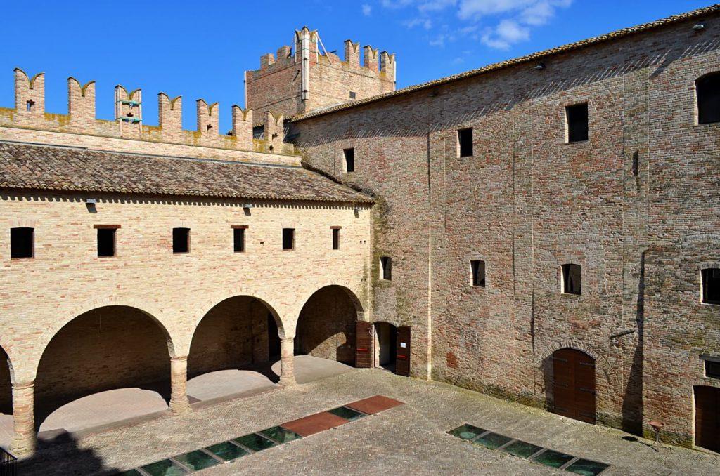 castello della rancia - cosa vedere in provincia di macerata