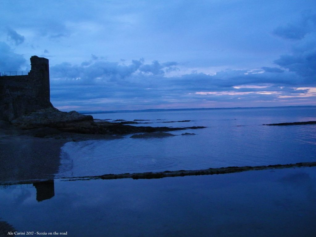 tramonto sul mare, castello