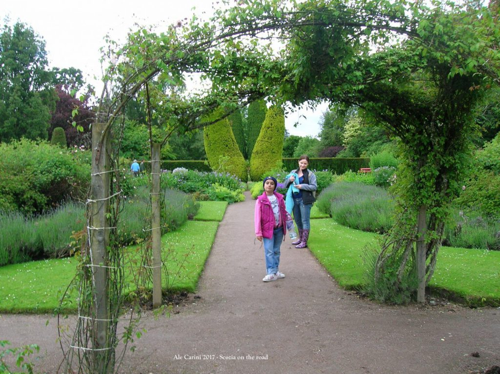 cawdor, giardini, persone, fiori
