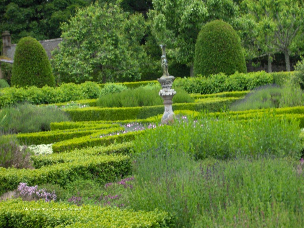 cawdor, fontana, giardino
