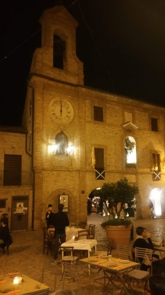 orologio, piazza, tavolini