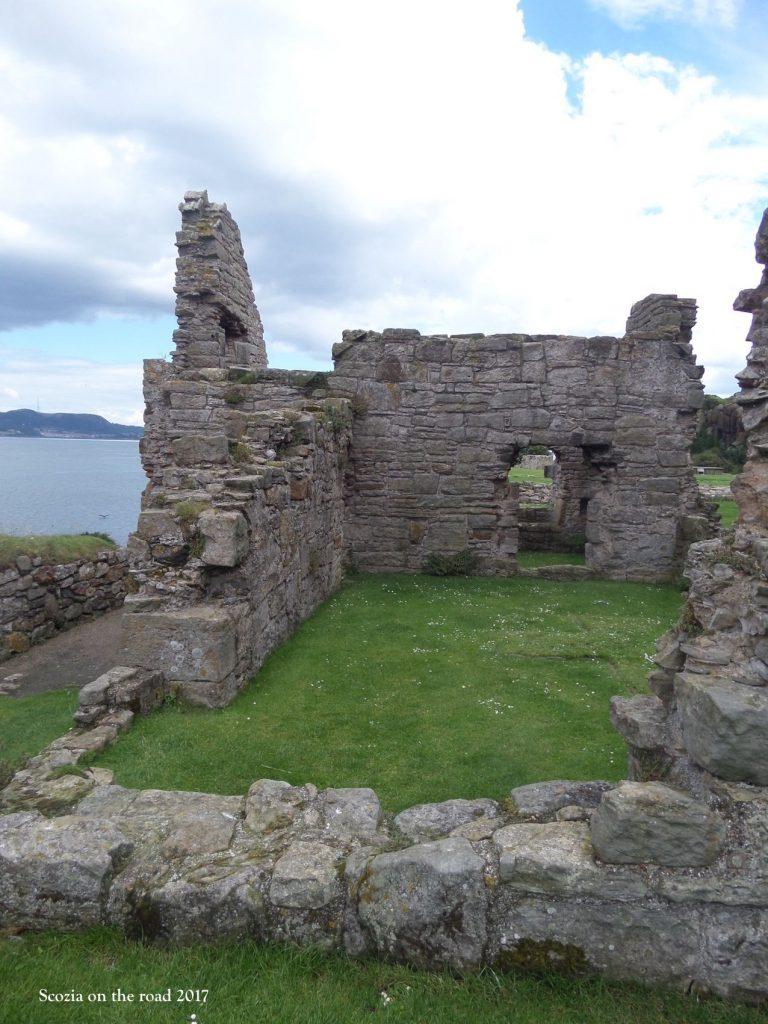 inchcolm abbey scozia