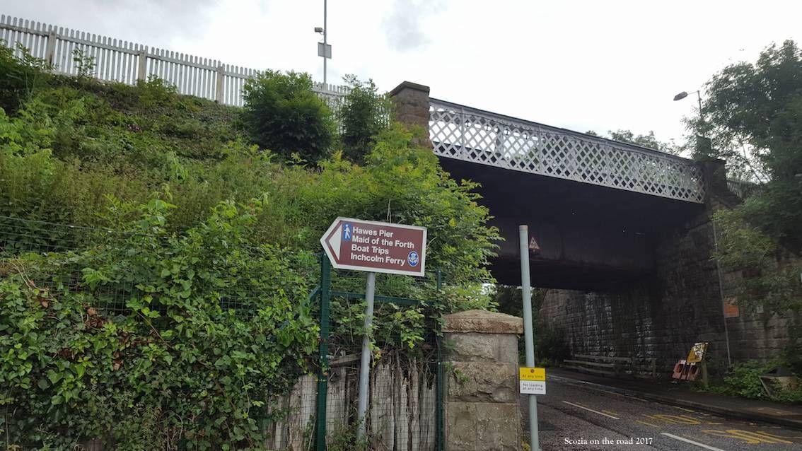 ponte e segnali stradali a queensferry