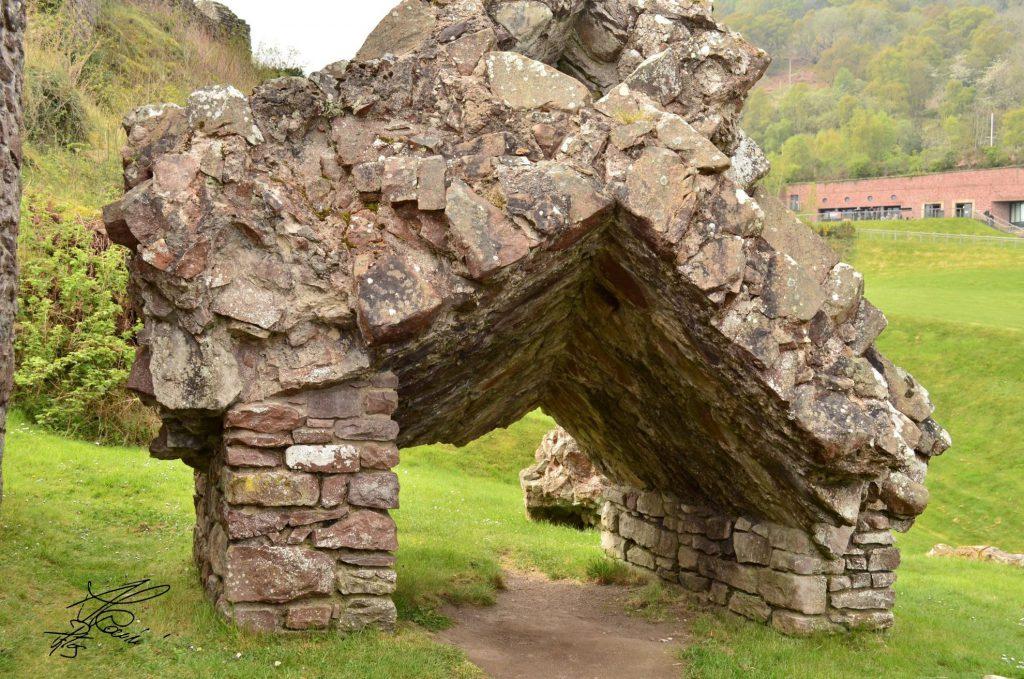 Urquhart Castle - broken masonry