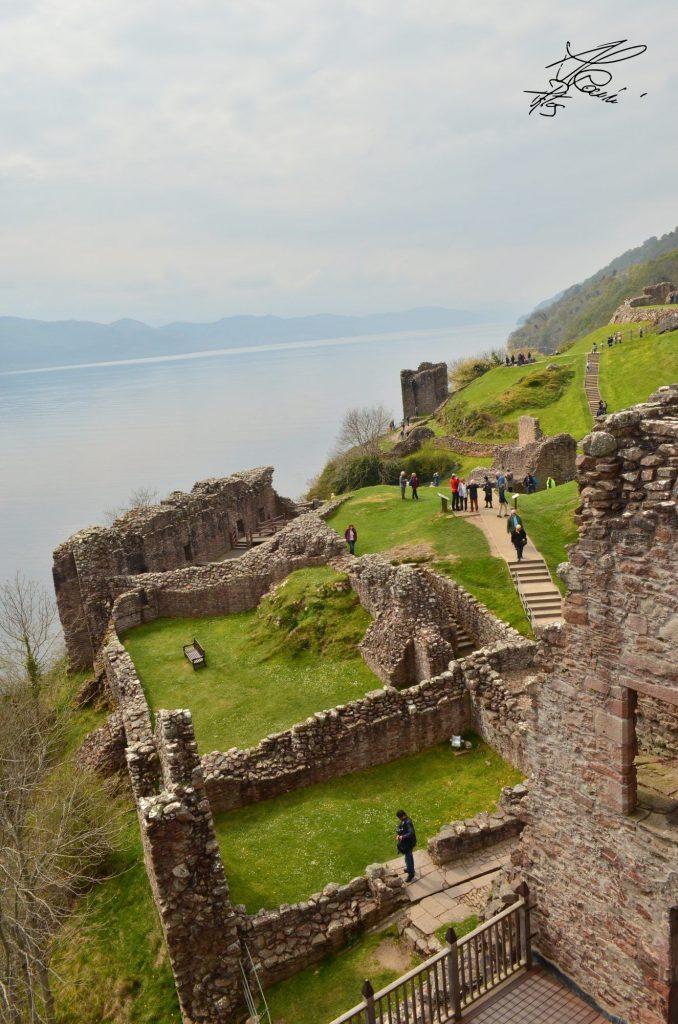 Urquhart Castle - lago di loch ness