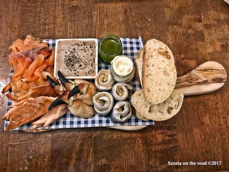 tagliere di pesce fresco scozzese