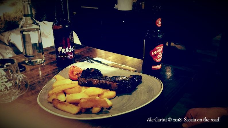 bistecca, birra e patatine