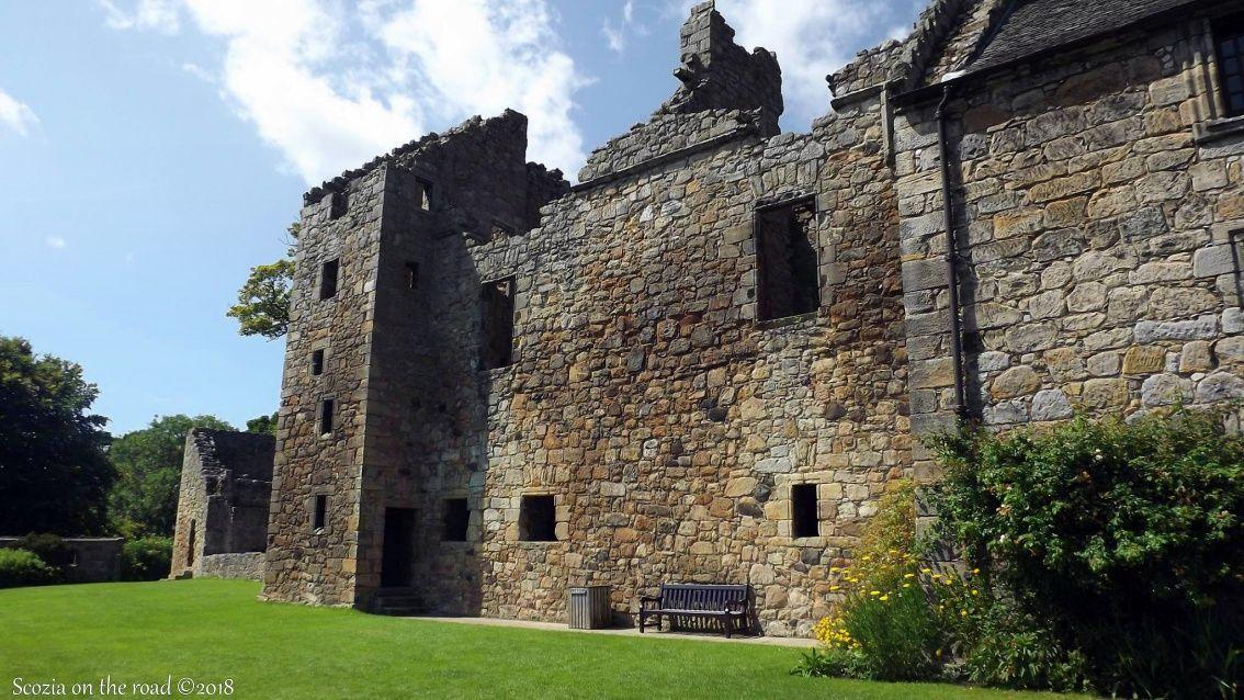 aberdour castle, scozia