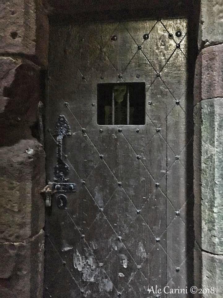 dunnottar castle, portone di legno