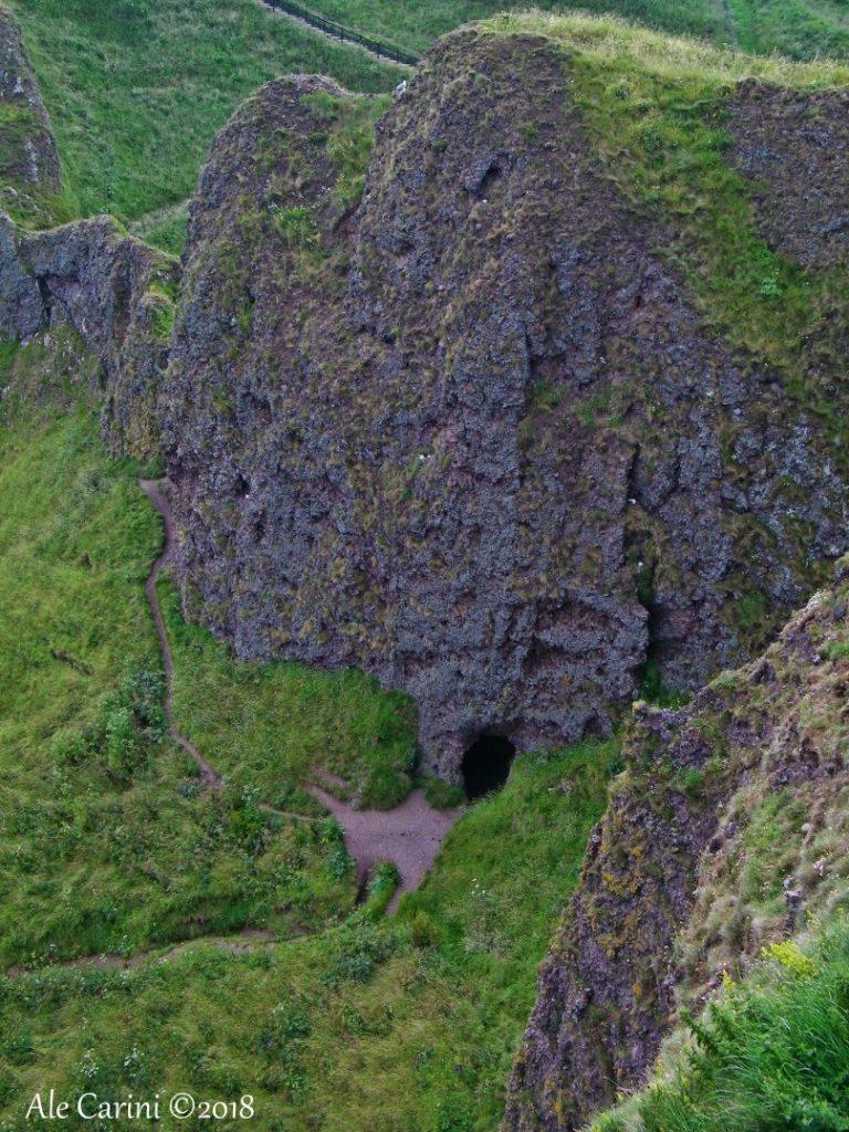 dunnottar castle, grotta, collina, erba