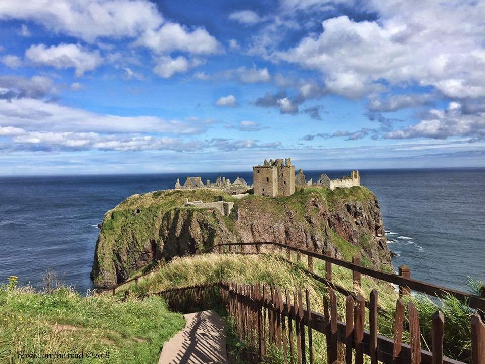 dunnottar  castle, vista gradoni