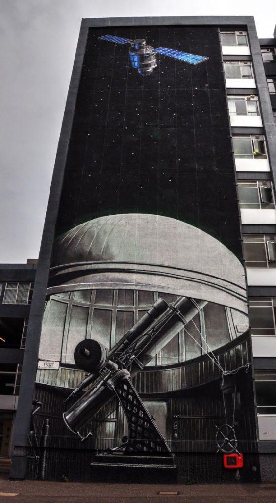 glasgow murales, telescopio