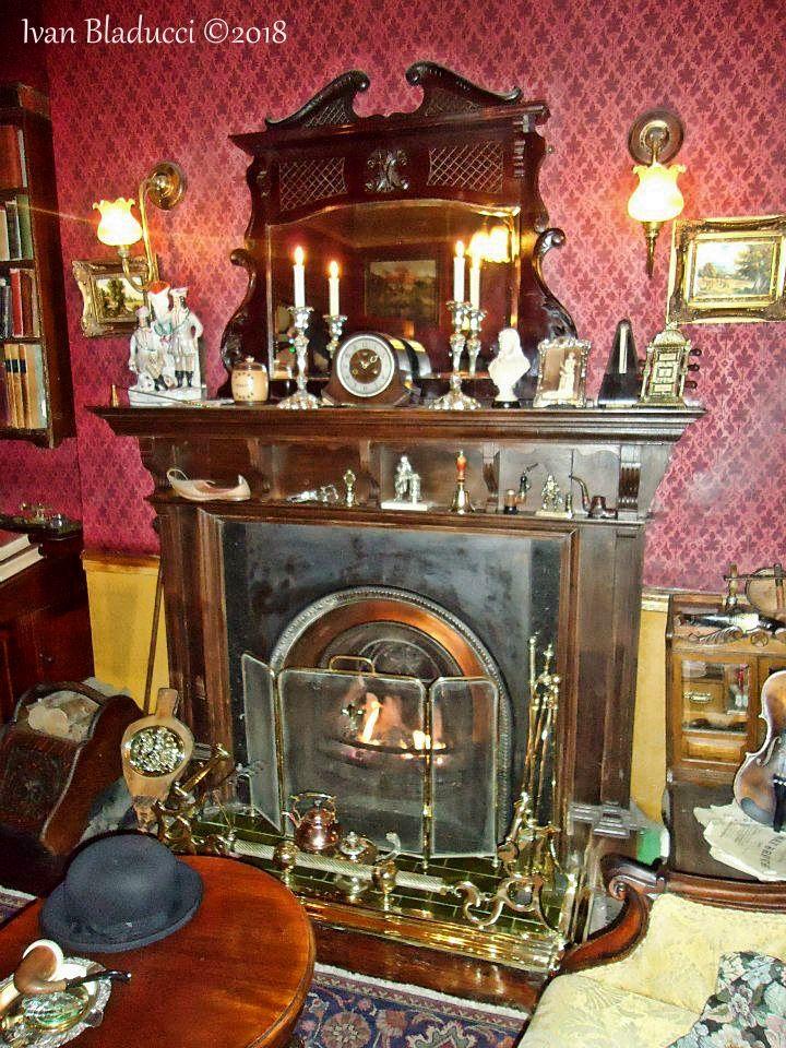 museo sherlock holmes caminetto legno