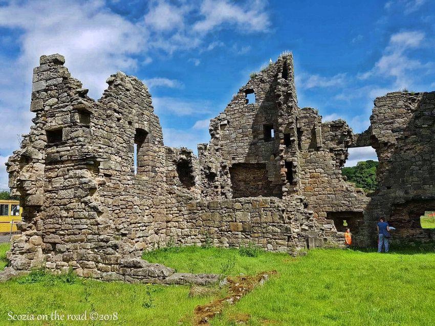 rosthy castle, rosthy, fife, scozia