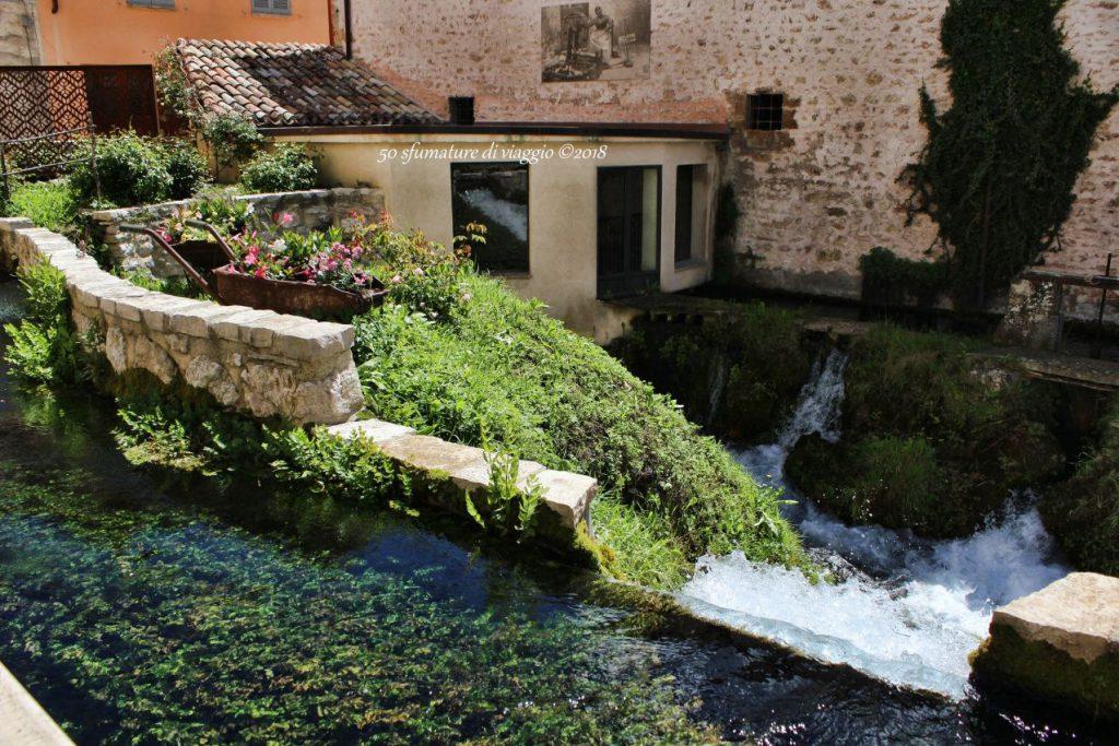 sistema di dighe, acqua, case