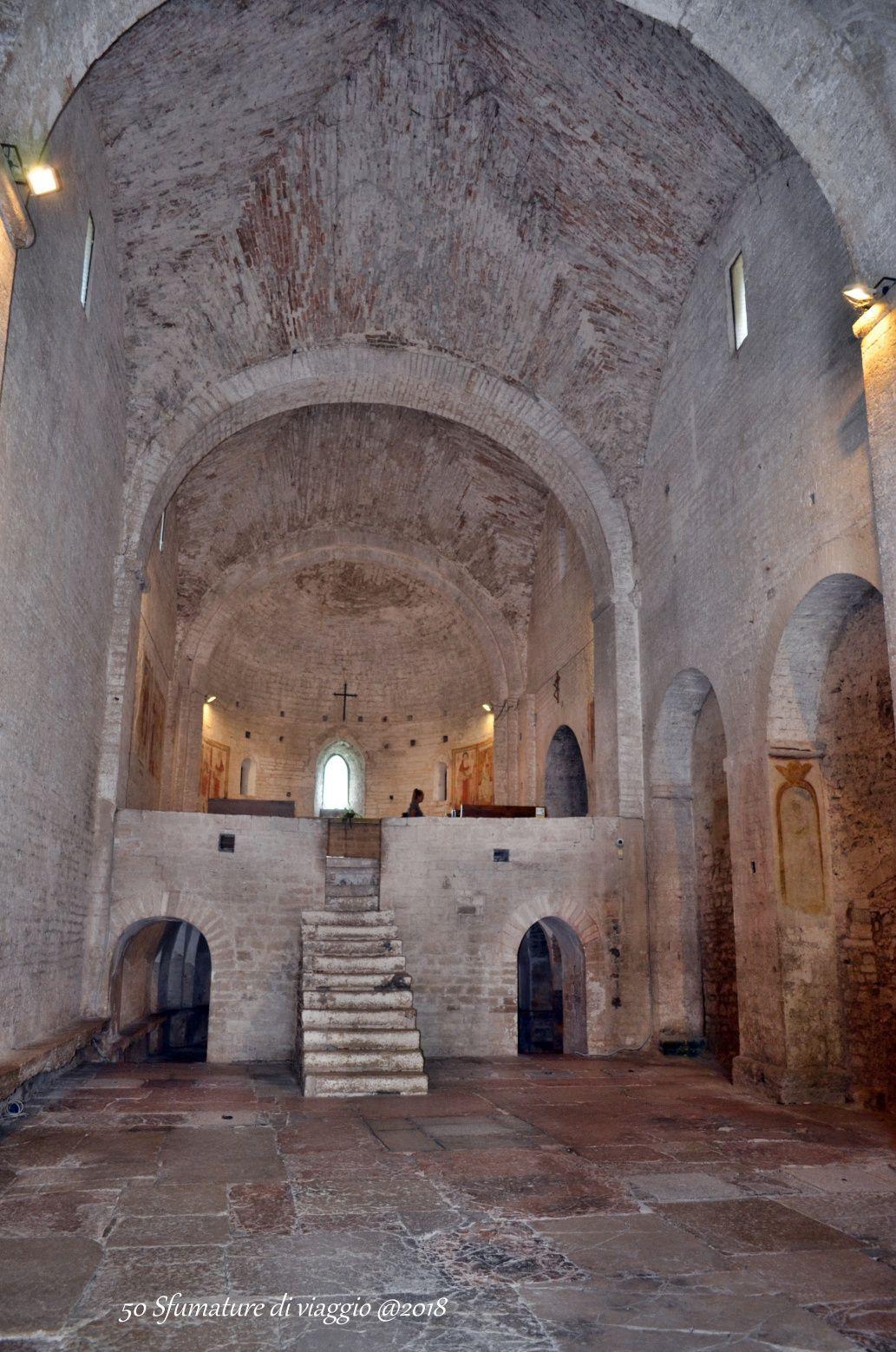 Acqualagna, abbazia di st vincenzo al furlo, italia
