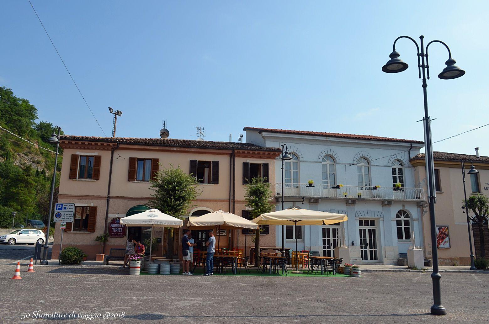 acqualagna, centro cittadino, piazza, italia