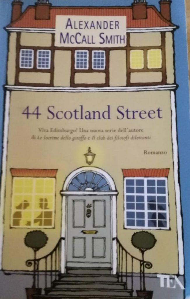 copertina di libro, casa con porta