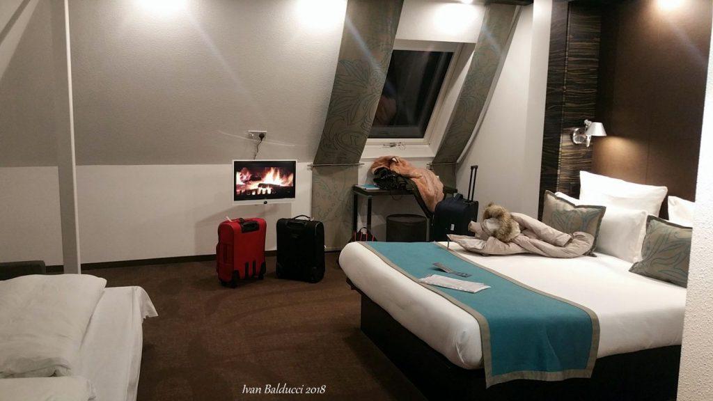 edimburgo, interno di albergo