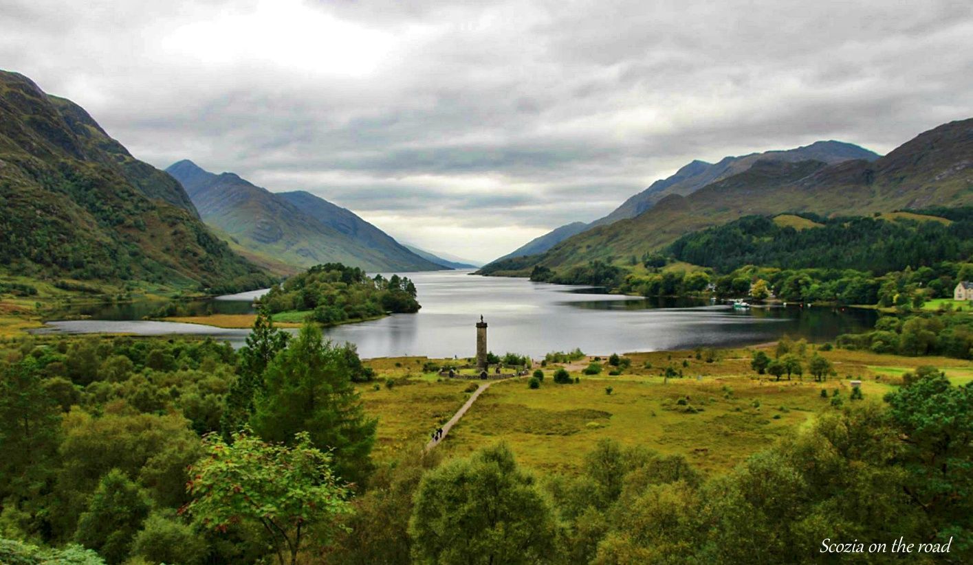 lago, valle e monumento