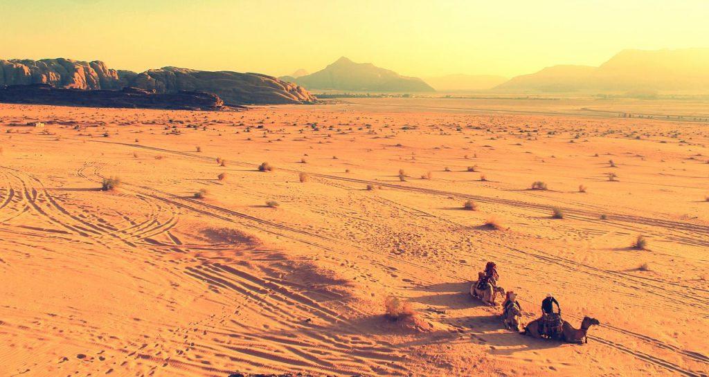 sport in viaggio, andare sul cammello
