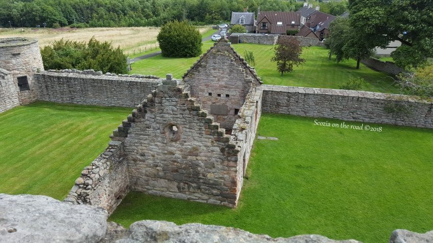 cappella e resti di colombaia