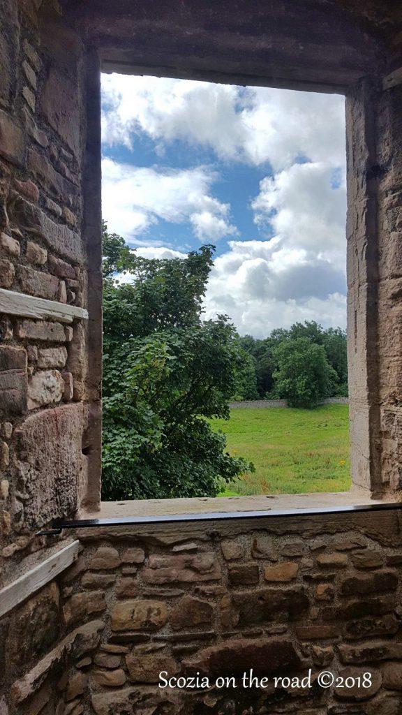 vista sul castello di craigmillar