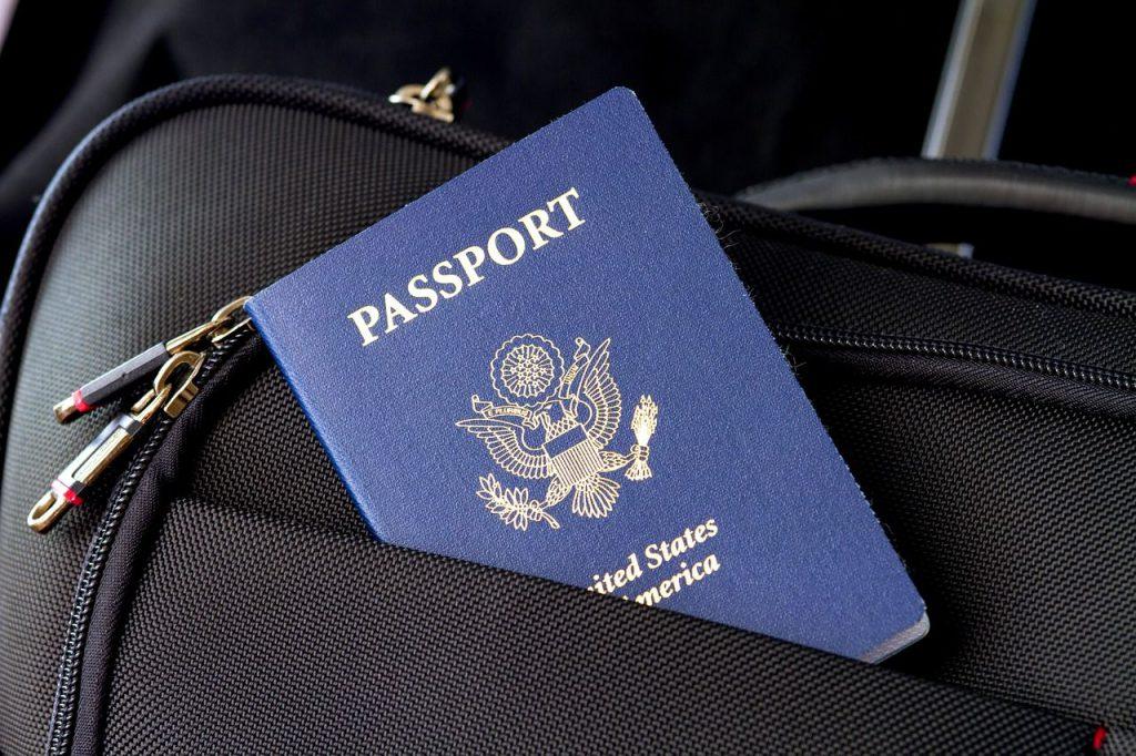 valigia e passaporto, Viaggiare in Scozia dopo la Brexit