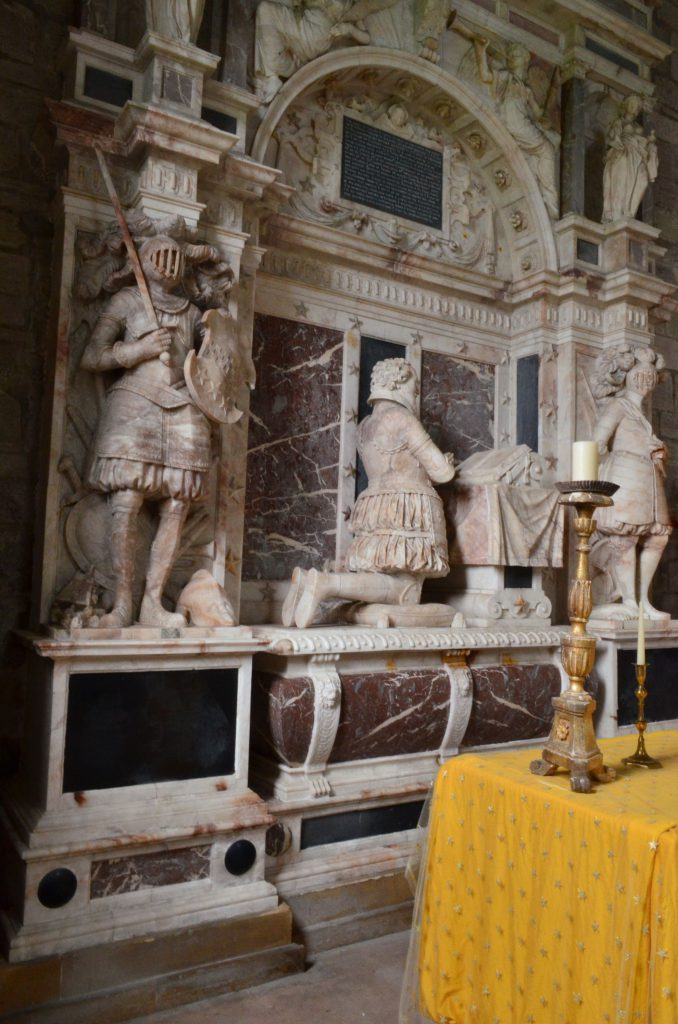 interno della cappella di Moot Hill