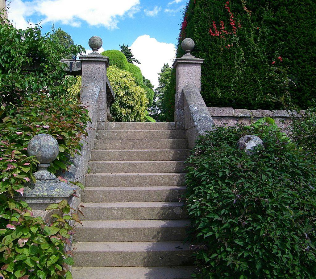 Crathes castle, giardino scalinata