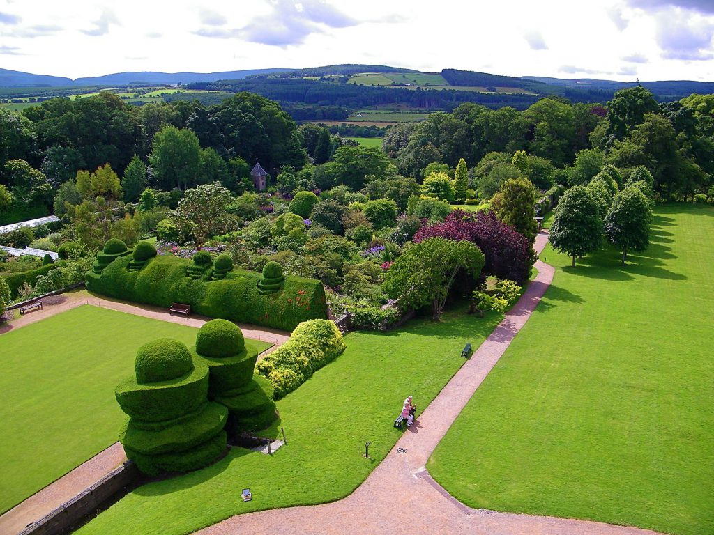Crathes Castle, giardini visti dall'alto