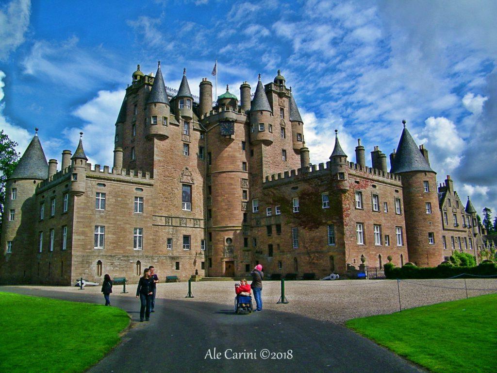 castello glamis - castelli scozia - castelli con fantasmi in scozia - famiglia reale