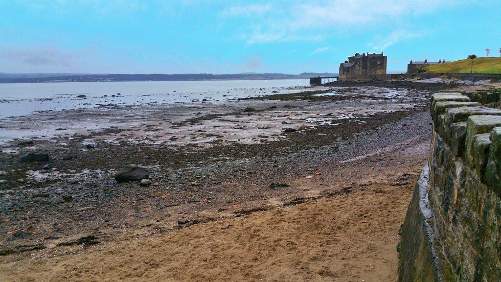 blackness castle, castelli infestati della scozia