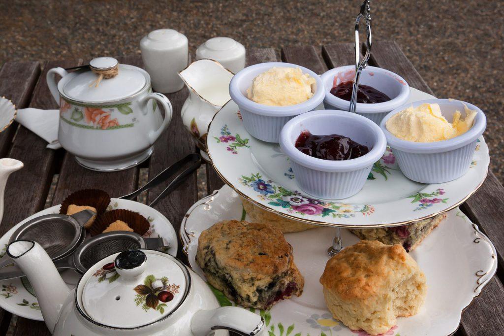 scones e tea - visitare Edimburgo a Natale