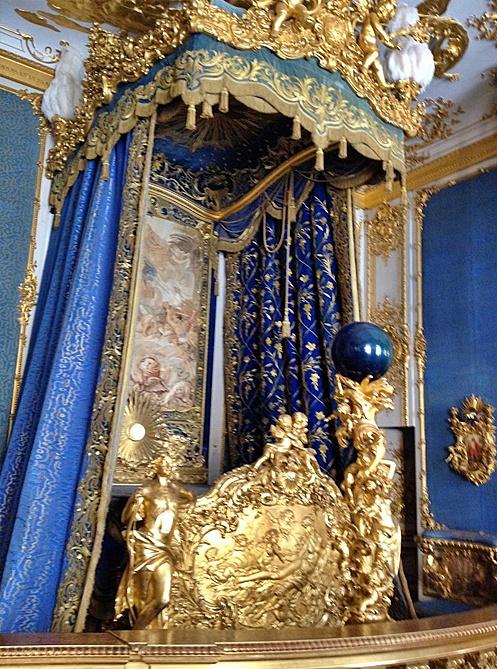 stanza da letto blu