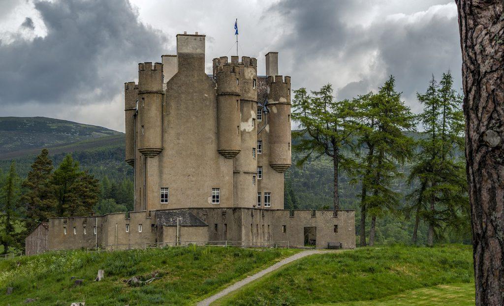 braemar castle - castelli infestati - fantasmi scozia