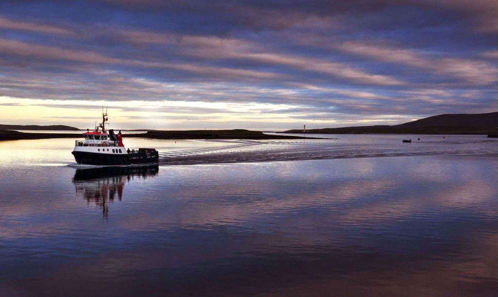 Graemsay-ferry-returning-to-Stromness
