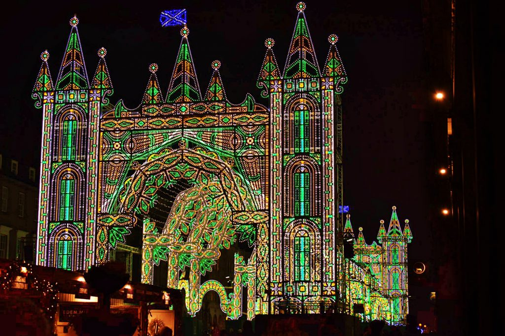 street of light, visitare Edimburgo a Natale