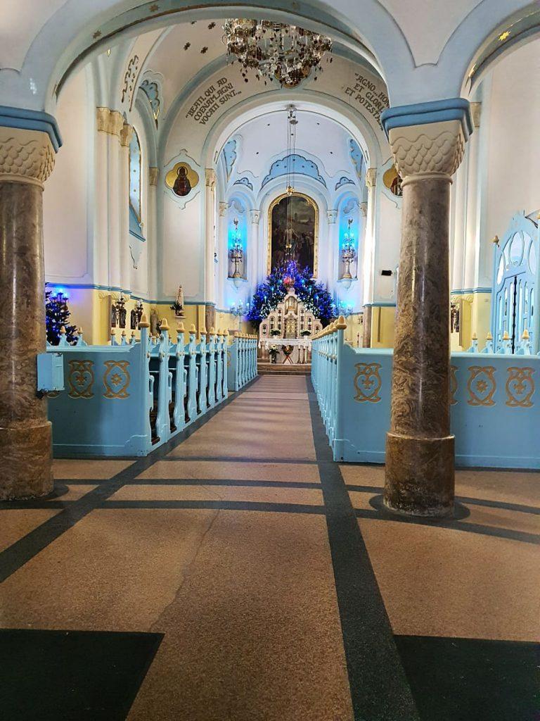 interno chiesa blu di bratislava