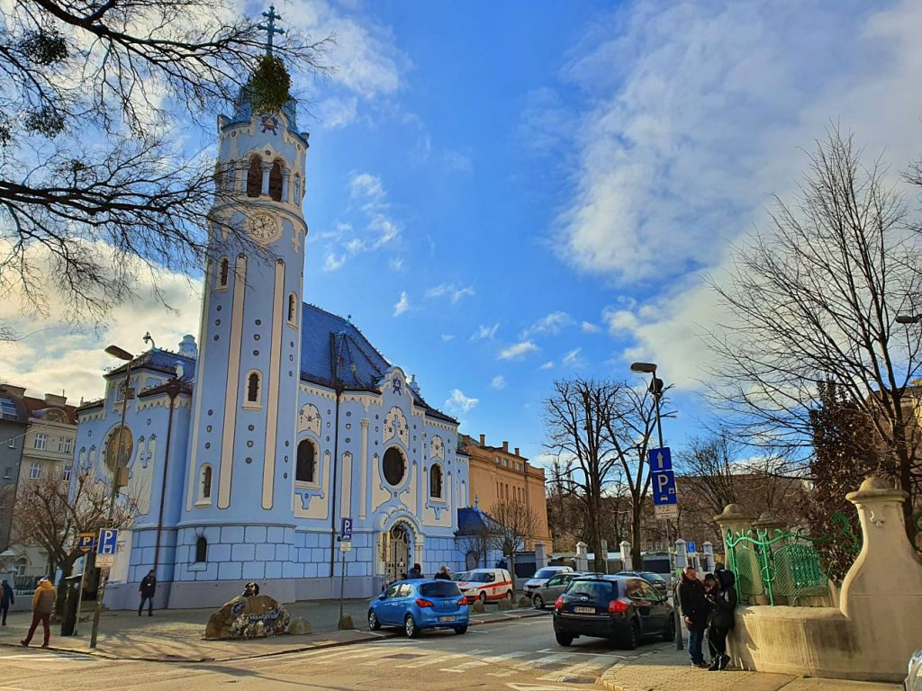 la chiesa blu di bratislava - cosa vedere a bratislava