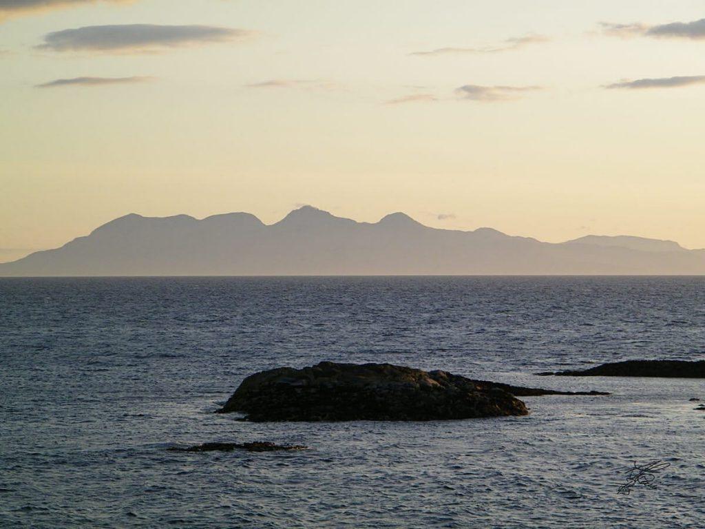 il profilo di Rum al tramonto