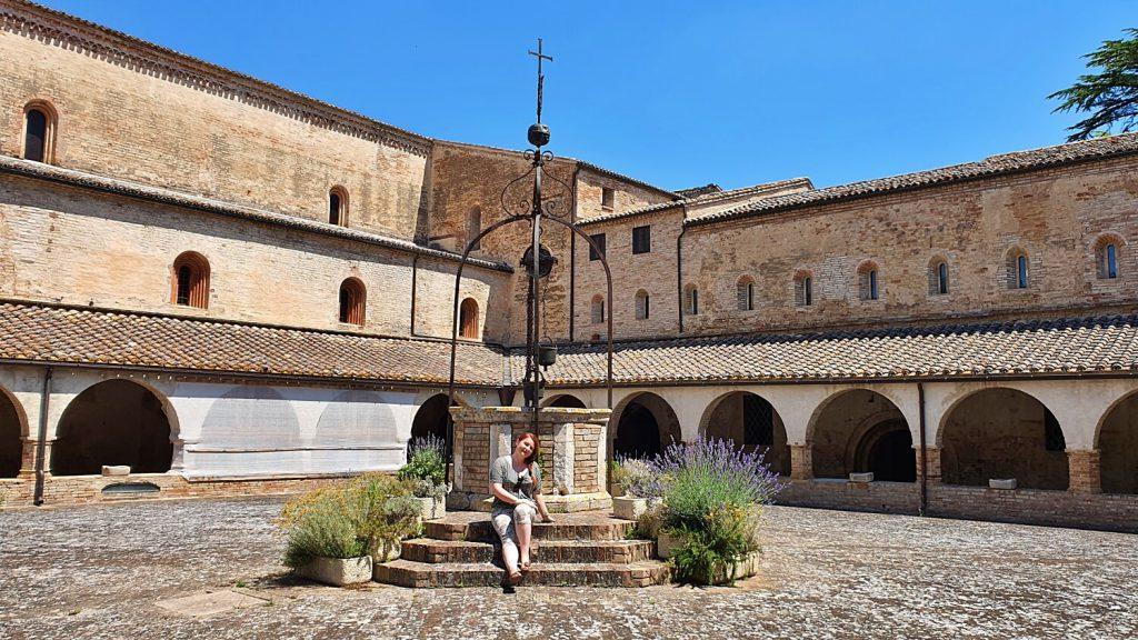 abbazia di fiastra marche