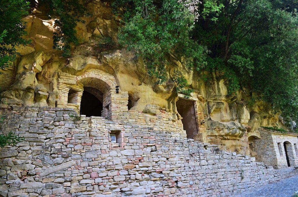 l'eremo della grotte - viaggio nelle marche