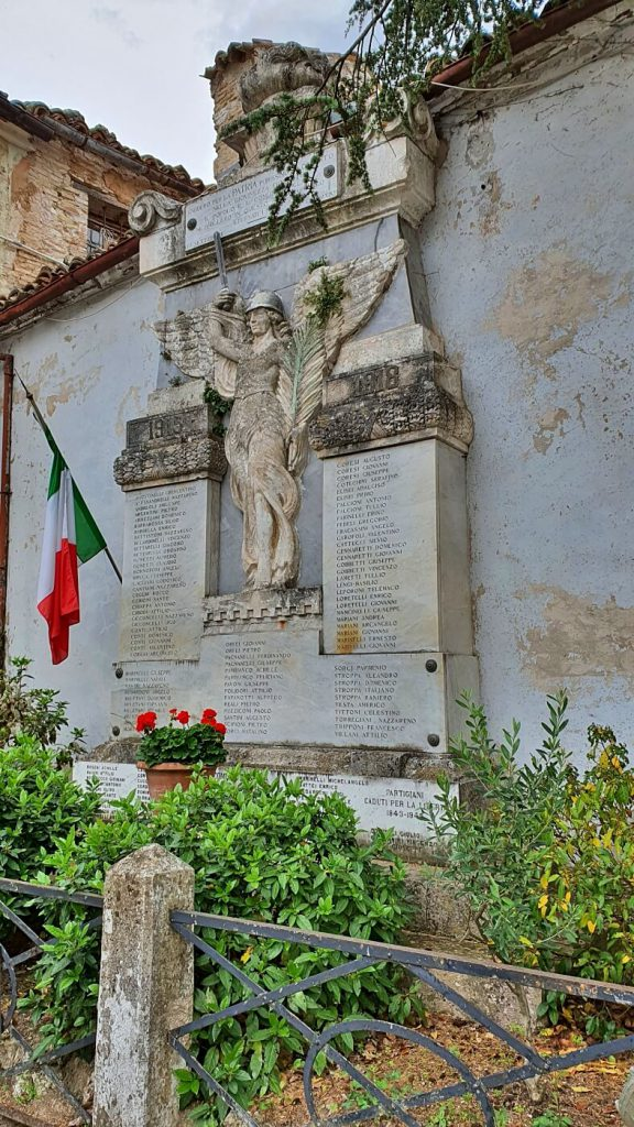 Genga il borgo medievale, memoriale caduti