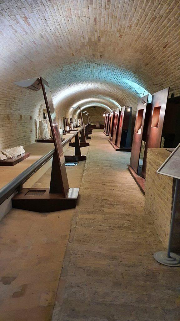 sala delle oliere - abbazia di fiastra macerata