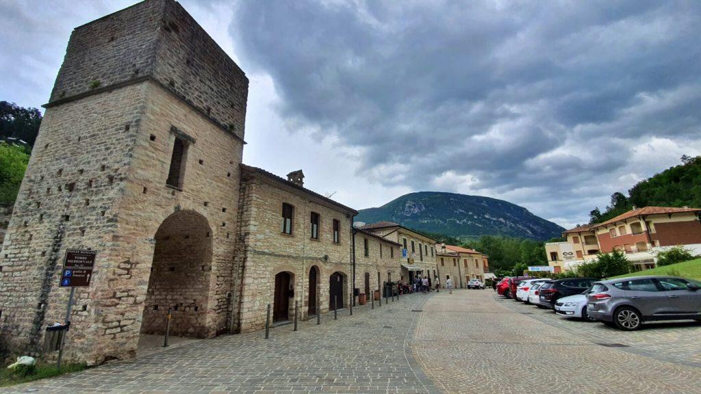 torre e borgo di san vittore terme